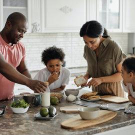 IL SISTEMA FAMIGLIA: la coppia, genitori e figli, fratelli
